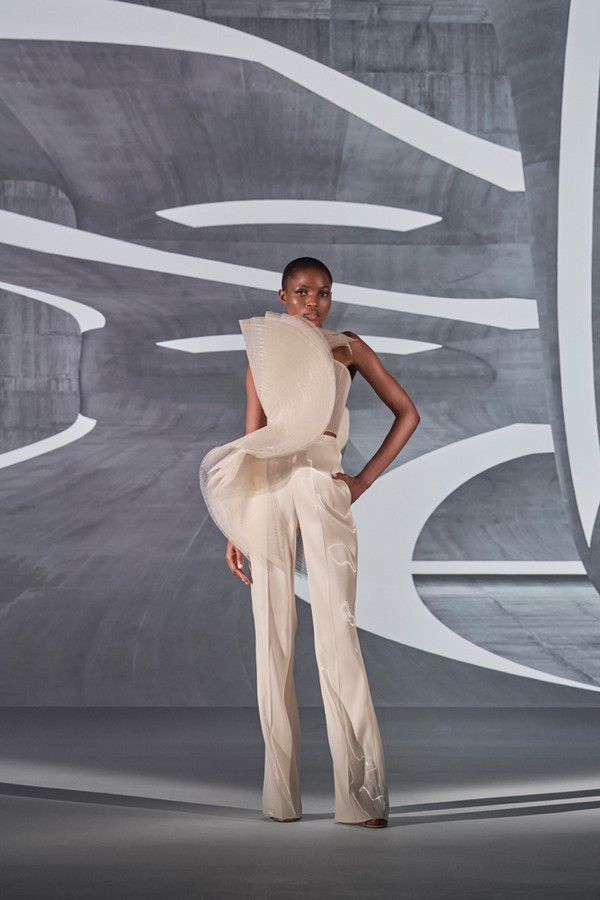 https://www.ramialali.com/images/collection/couture/spring_summer_2021/RAA-SS21-Look1.jpg