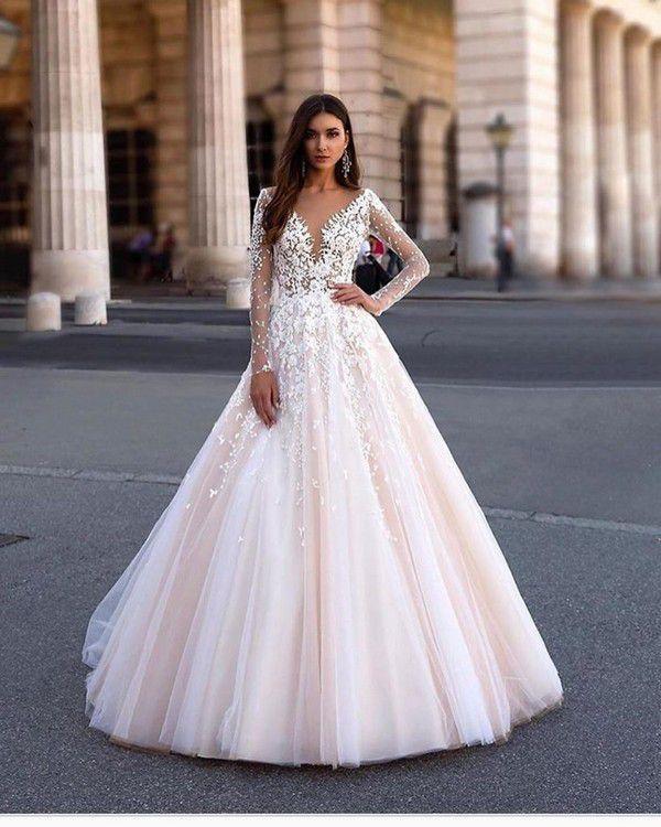 https://officialroyalwedding2011.org/wp-content/uploads/2019/06/Princess-Wedding-Dresses-13-819x1024.jpg