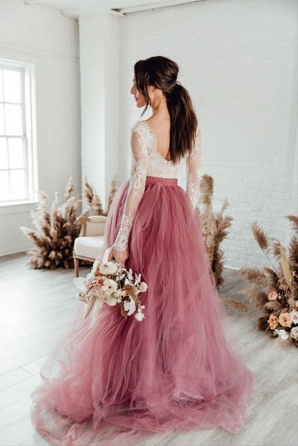 https://cdn0.hitched.co.uk/articles/images/1/2/2/5/img_15221/rock-the-frock-7b188a3.jpg