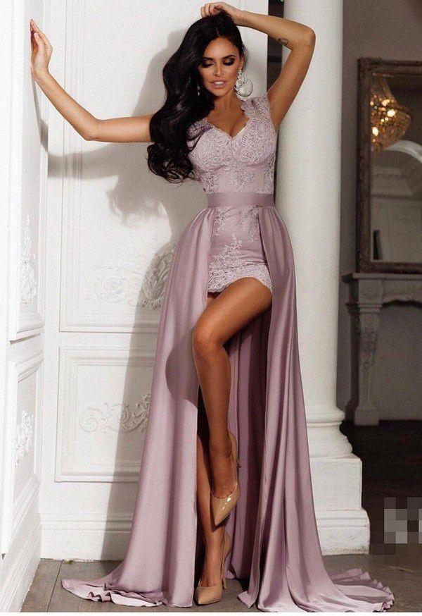 Красивое платье со шлейфом NJ-H447