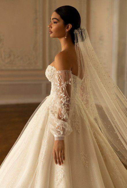 https://crystalsalon.com.ua/image/cache/catalog/Romance/Romance(4)-440x650.jpg