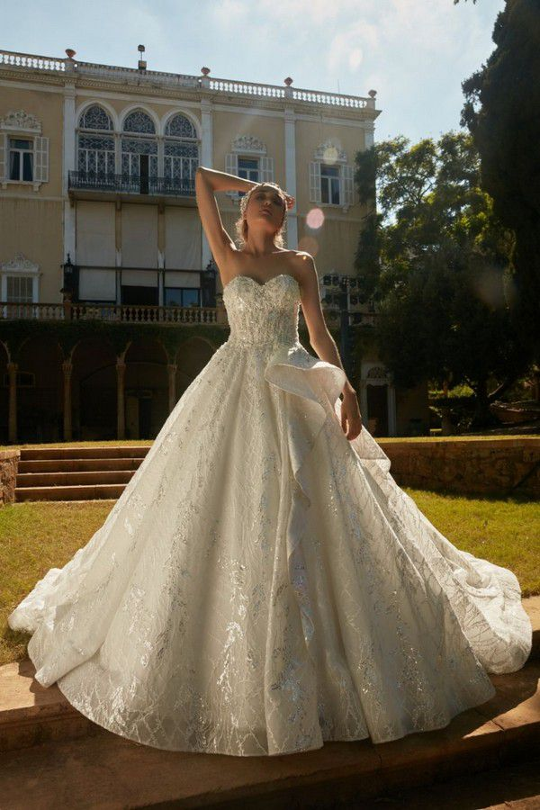 https://www.weddingmagazine.com.ua/wp-content/uploads/2019/12/tony-ward-la-mariee-fall-2020-05-jolly-ab70aac76019.jpg