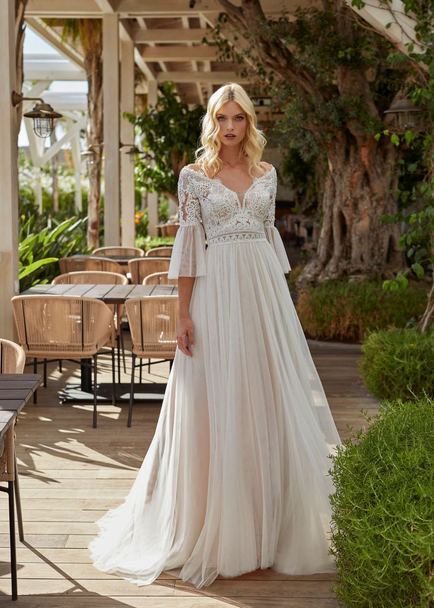 https://www.modeca.com/uploads/Collections/2022-Modeca-Collection/2022-Modeca-Product-Images/Preview/Front-and-Back/modeca_2022_nisanne_afront-1_8468.jpg