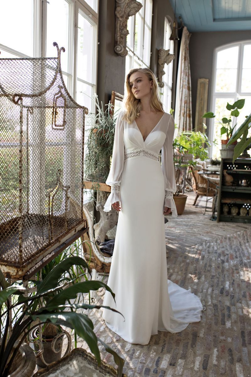 https://www.modeca.com/uploads/Collections/2019-Modeca-Collection/modeca_2019_preview_darcy_afront1.jpg