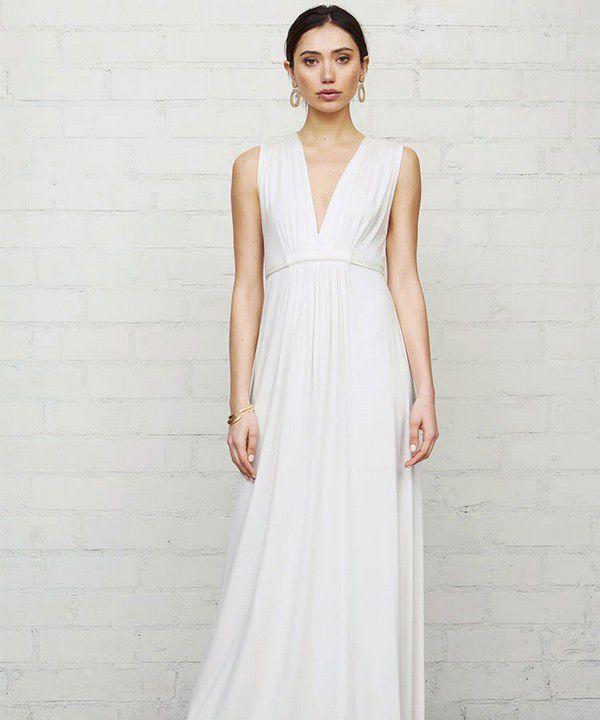 https://images.ctfassets.net/6m9bd13t776q/1QjbFKrXx7oHxjegQqOVlg/eae2843bdea25e89b0f41d6f6e1e0189/rachel-pally-maternity-wedding-dress-750x900.jpg?q=75