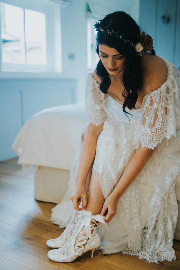 https://www.houseofelliotcollection.com/wp-content/uploads/2017/04/Boho-Inspired-Wedding-Shoot-Lottie-Elliot-vintage-lace-ankle-boots-.jpg