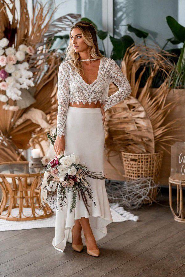 https://theweddingplaybook.com/wp-content/uploads/Natural-Boho-Beach-Wedding-Inspiration-31.jpg