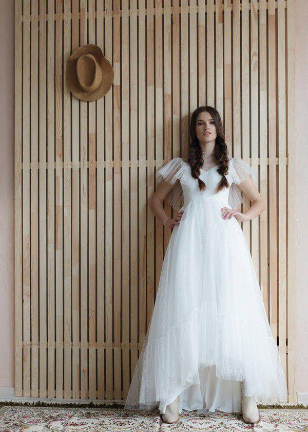 https://shleifdress.com/wp-content/uploads/2020/04/Boho-tulle-wedding-gown-Shleifdress-Silense10.jpg