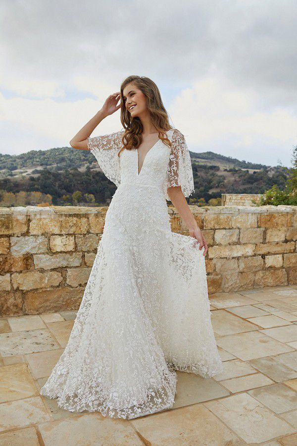 https://www.modernwedding.com.au/wp-content/uploads/2021/01/28/Bridgerton-Wedding-Dress-7.jpg