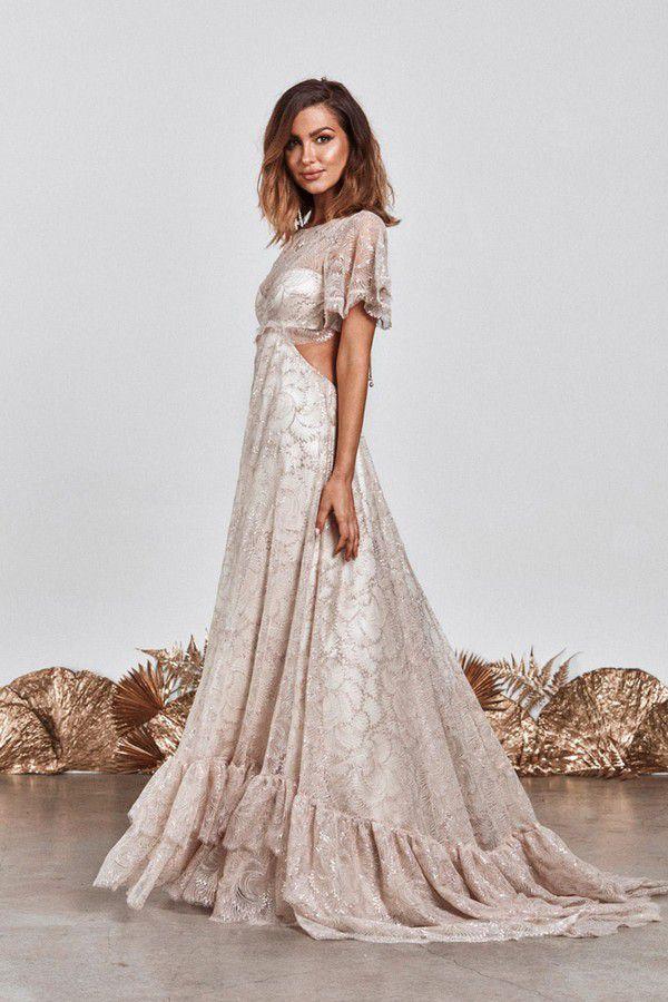 https://www.modernwedding.com.au/wp-content/uploads/2021/01/28/Bridgerton-Wedding-Dress-6.jpg
