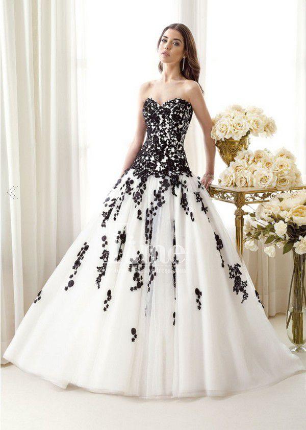 https://thebestweddingdresses.com/wp-content/uploads/2017/09/lace-applications-a-line-wedding-dress.jpg