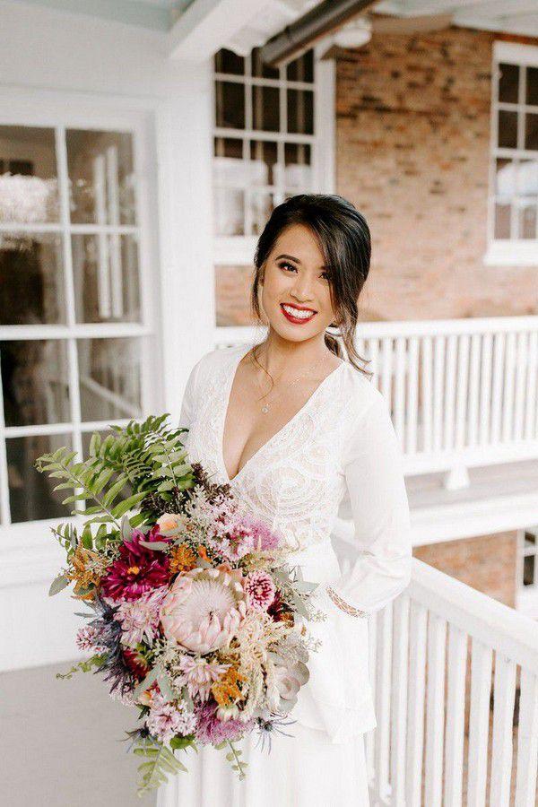 https://cdn0.weddingwire.com/articles/images/5/0/8/7/img_7805/4-jessica-ashley-events-e-losino-photography-fall-wedding-bouquets.jpg