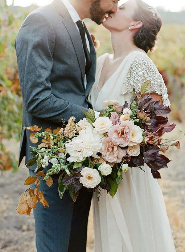 https://www.elegantweddinginvites.com/wedding-blog/wp-content/uploads/2018/07/beautiful-fall-bouquets-wedding-ideas-for-you-to-try.jpg