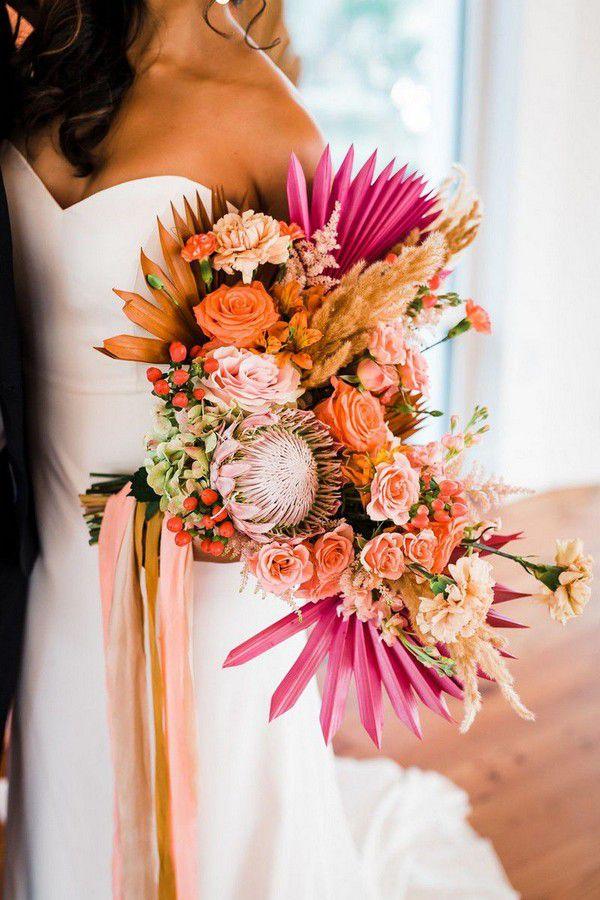https://cdn0.weddingwire.com/articles/images/8/3/3/0/img_338/1-sun-palms-indie-pearl-2020-wedding-flower-trends.jpg