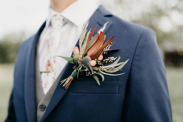 https://cdn0.weddingwire.com/articles/images/1/6/5/2/img_12561/9-abloom-florist-bohemian-wedding-theme.jpg