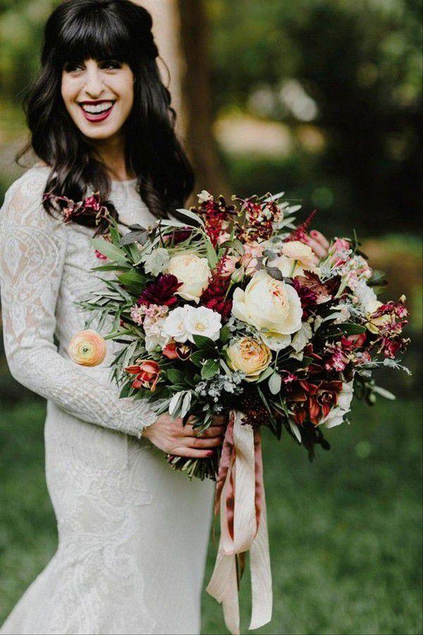 https://cdn0.weddingwire.com/img_g/editorial-images-2018/8-august/sam/fall-wedding-bouquets/sebesta-design-1.jpg