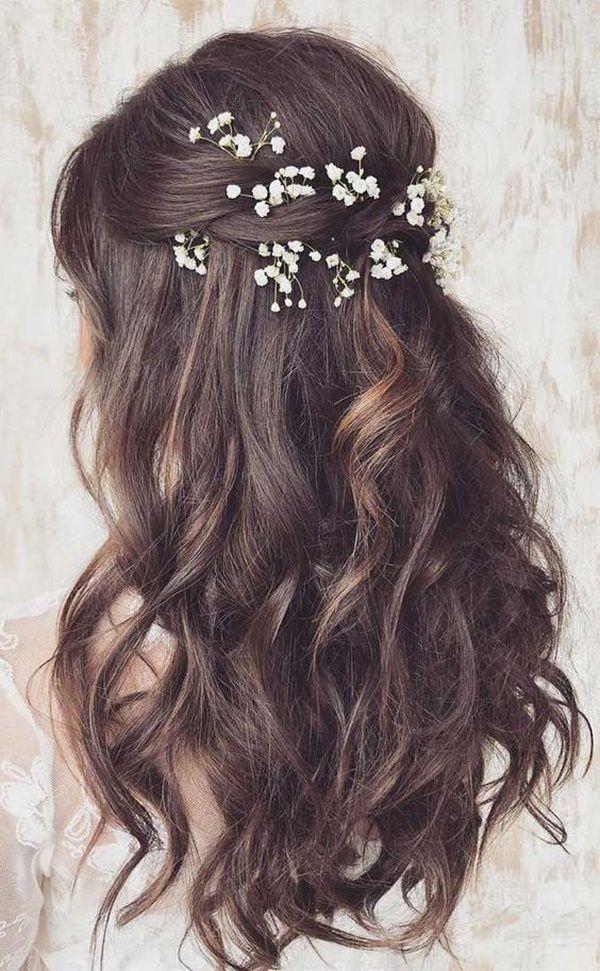 http://www.loveinconfetti.com/wp-content/uploads/2020/08/romantic-half-up-half-down-wedding-hairstyles.jpg