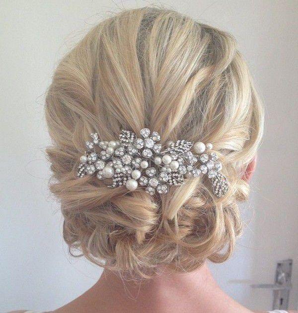 https://www.shorthairmodels.com/wp-content/uploads/2021/08/Wedding-hairstyles-for-short-hair-indian-e1598047189805.jpg