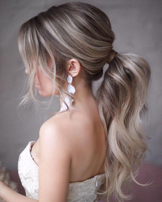 https://www.weddingery.com/wp-content/uploads/2020/12/Wedding-Hairstyle-Trends-for-2021-httpsweddingery.com_-15.jpg