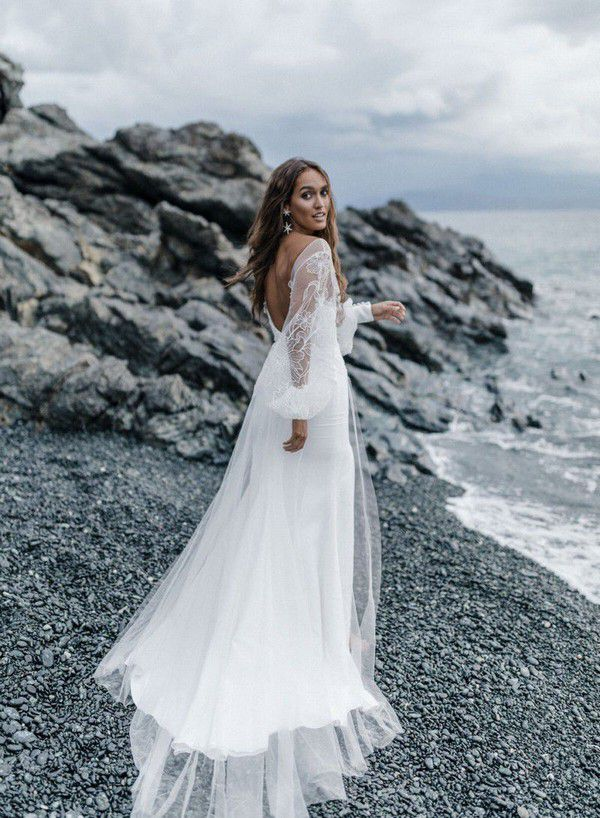 https://onefabday.com/wp-content/uploads/2021/01/Rime-Arodaky-2021-Wedding-Dresses-by-Greg-Finck-Photography-circe-8.jpg