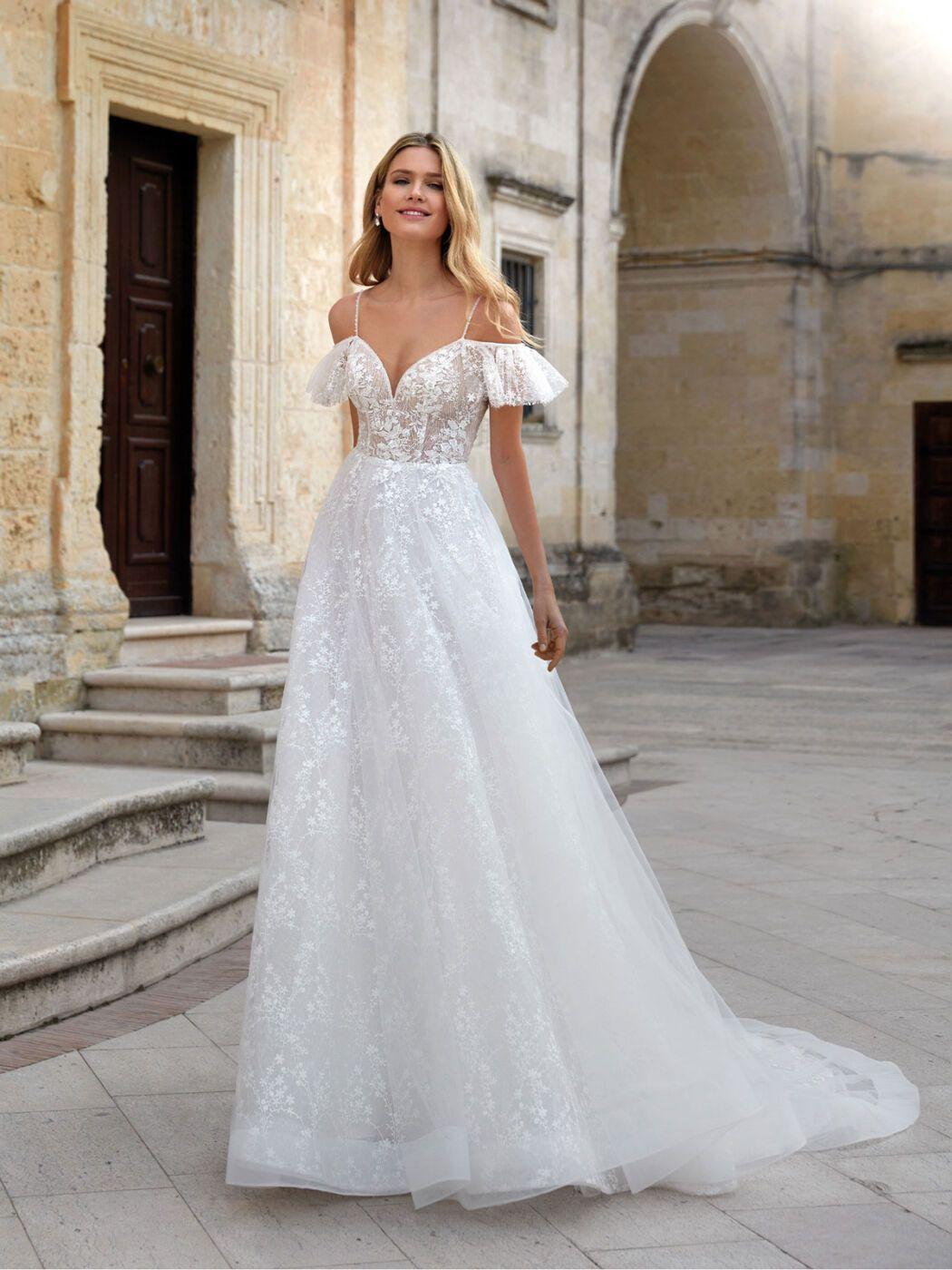 https://www.weddingmagazine.com.ua/wp-content/uploads/2020/06/romance-nicole-2021-bridal-collection.jpg