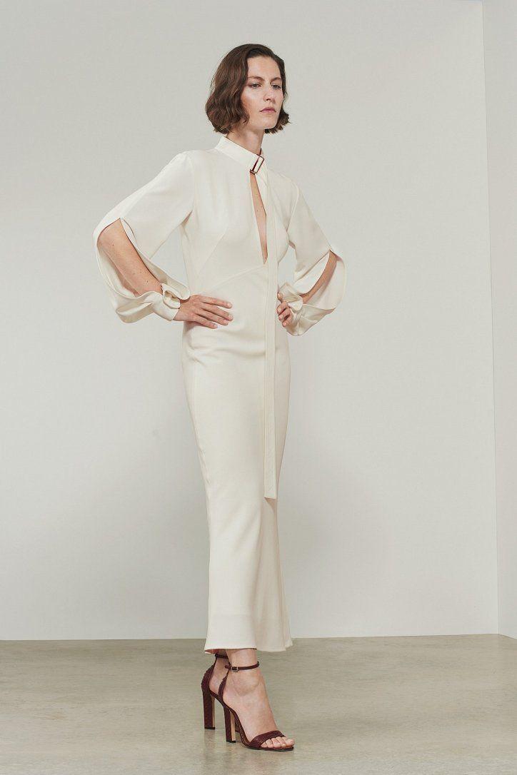 https://www.fashion-woman.com/gallery/debyutnaya-kollekciya-svadebnyh-platev-viktorii-bekhem/debyutnaya-kollekciya-svadebnyh-platev-viktorii-bekhem_87619YqU.jpg