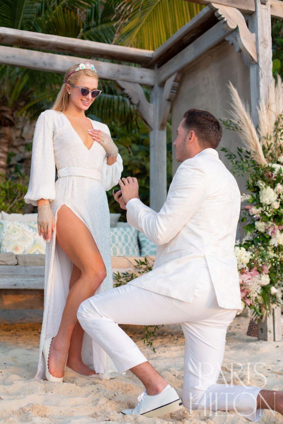 https://www.weddingmagazine.com.ua/wp-content/uploads/2021/02/paris-hilton-carter-engaged-5.jpg