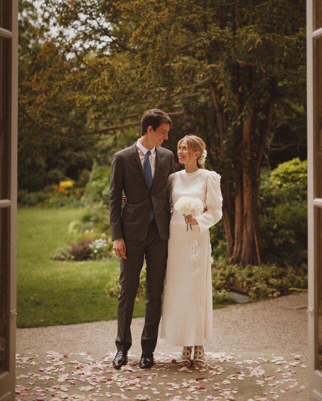 https://www.weddingmagazine.com.ua/wp-content/uploads/2021/07/alexandre-arnault-wedding-2-642x800.jpg