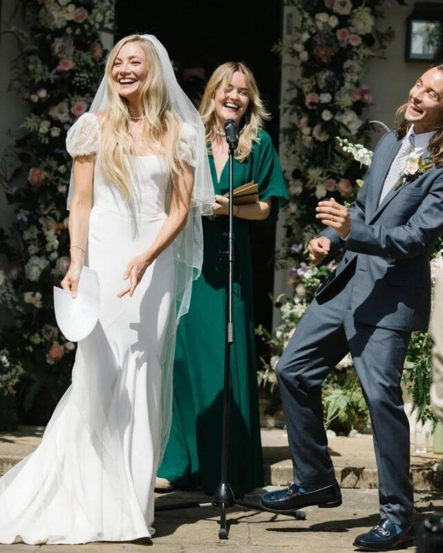 https://www.weddingmagazine.com.ua/wp-content/uploads/2021/07/klara-peget-wedding-12-641x800.jpg