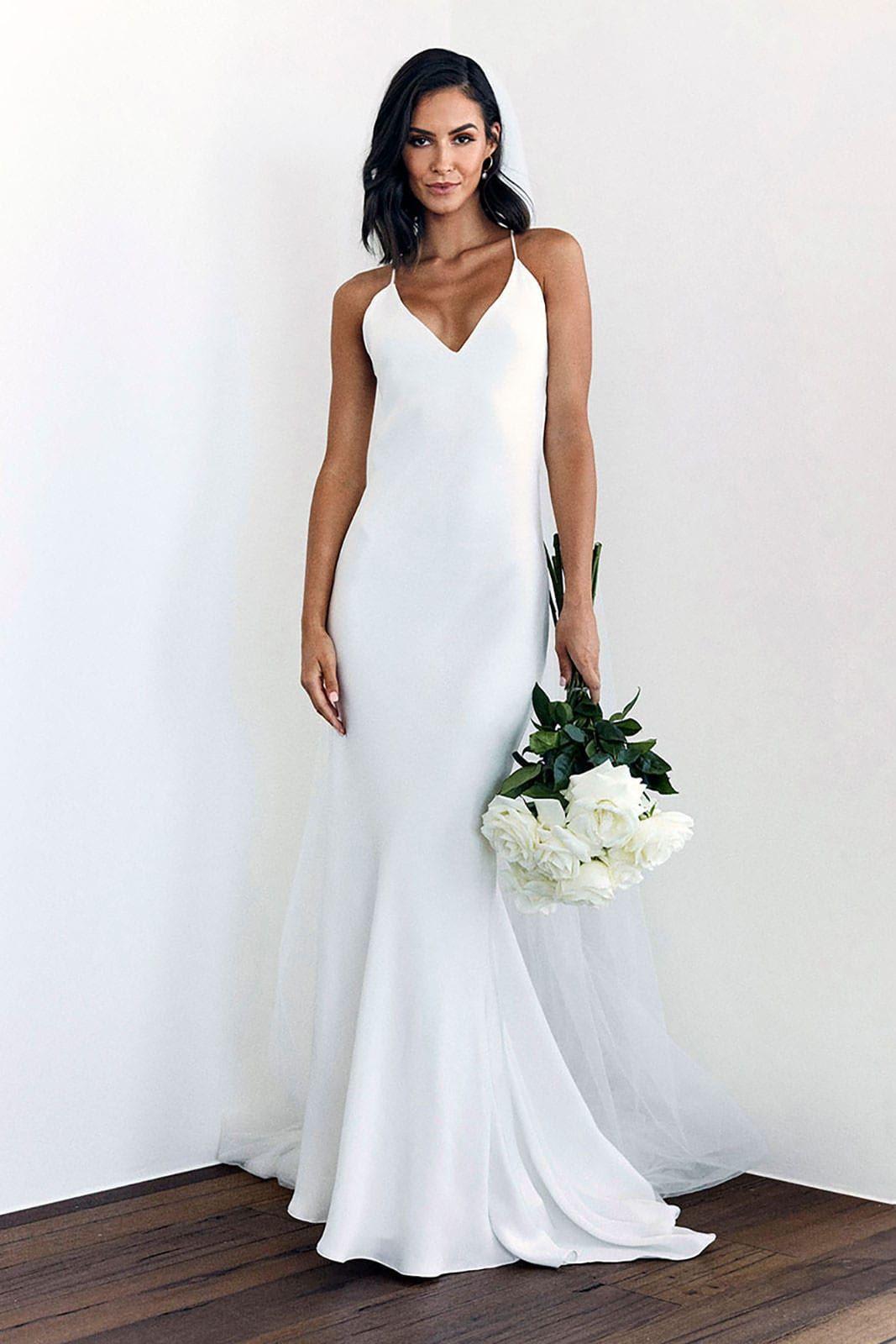 https://iamtex.com.ua/wp-content/uploads/2020/05/grace-loves-lace.shop_.wedding-dresses.dove_002.jpg