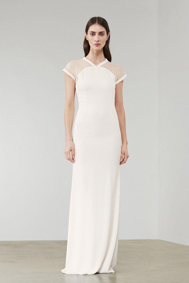 https://www.fashion-woman.com/gallery/debyutnaya-kollekciya-svadebnyh-platev-viktorii-bekhem/debyutnaya-kollekciya-svadebnyh-platev-viktorii-bekhem_87613chM.jpg