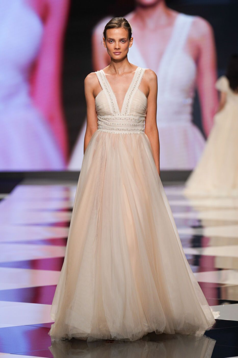 https://www.weddingmagazine.com.ua/wp-content/uploads/2021/08/bellanuono-blumarine-2.jpg