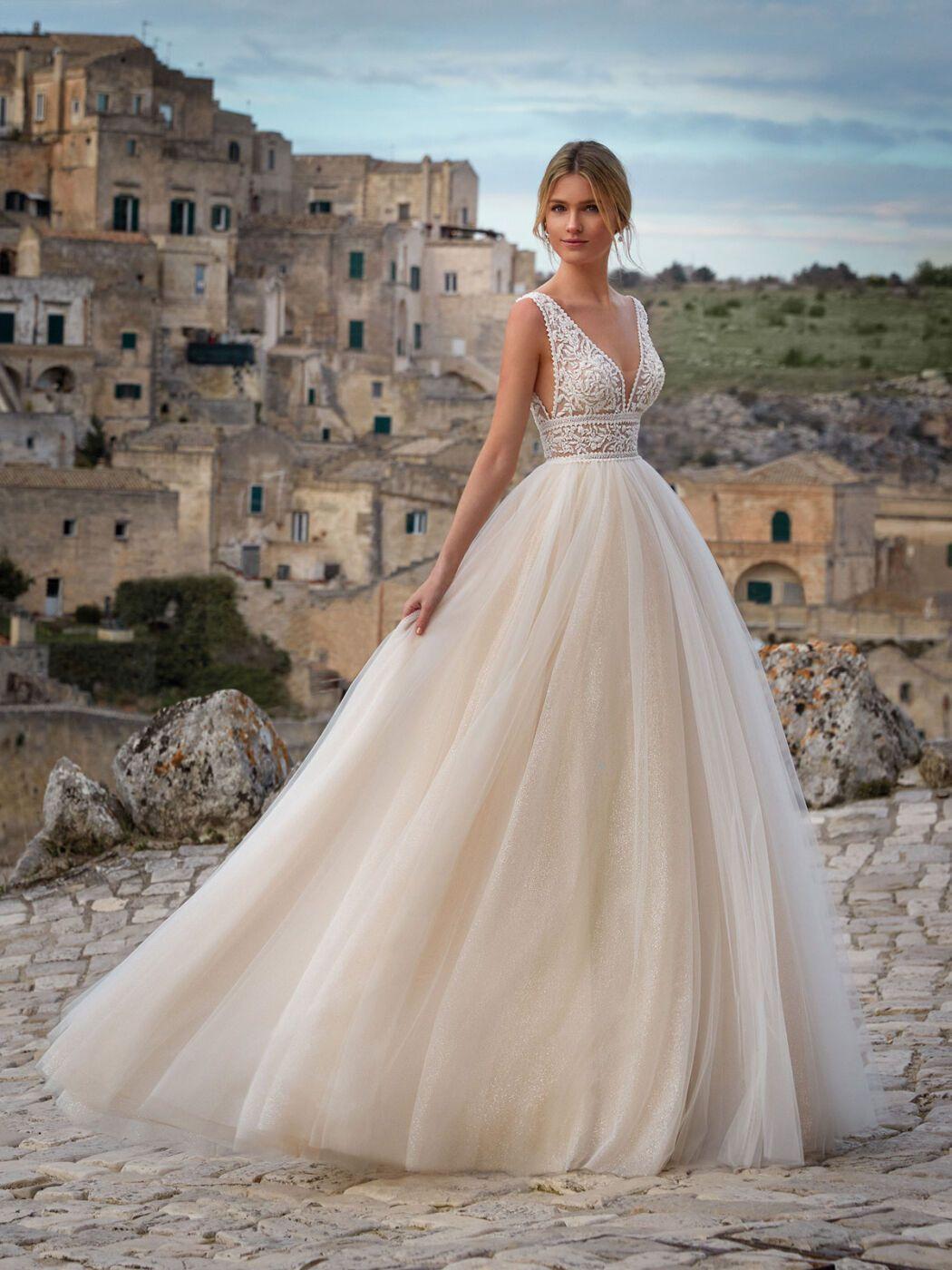 https://www.weddingmagazine.com.ua/wp-content/uploads/2020/06/romance-nicole-bridal-2021-3.jpg
