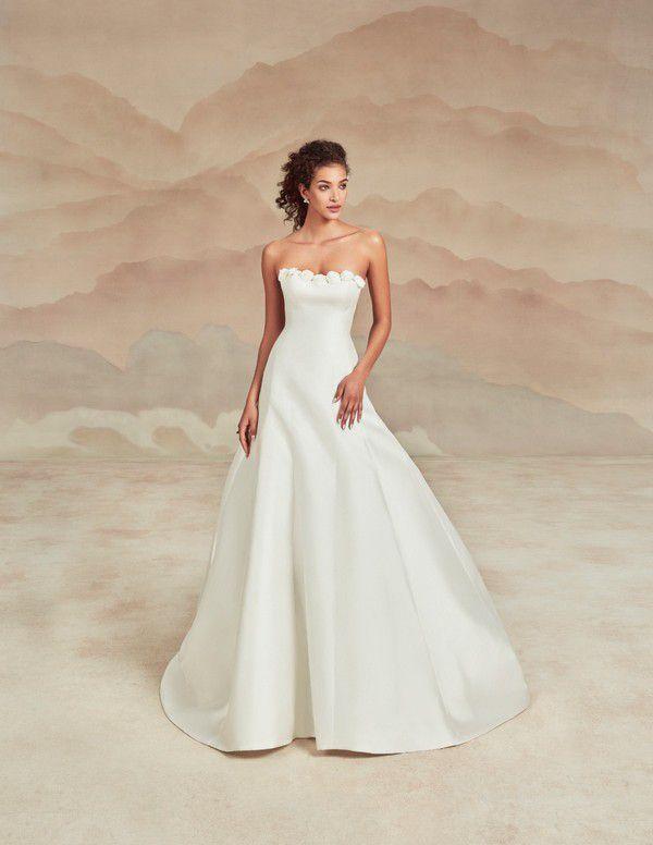 https://file.weddingchicks.com/934947_ines-di-santo-spring-2022-collection.jpg