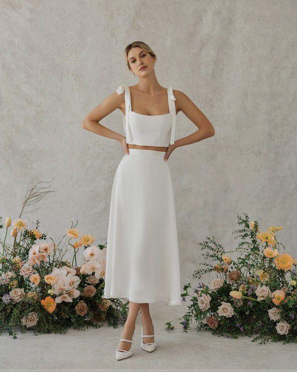 https://cdn0.weddingwire.com/articles/images/5/7/3/6/img_16375/alexandra-grecco-poppy.jpg