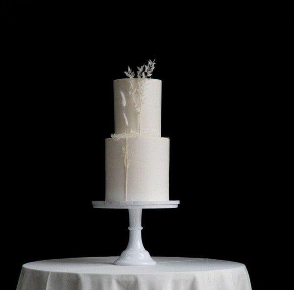 https://greenweddingshoes.com/wp-content/uploads/2021/01/laurasam-wedding-22.jpg