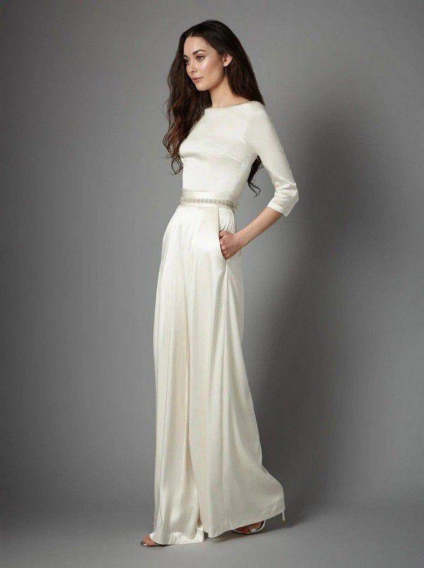 https://cdn0.hitched.co.uk/articles/images/5/0/6/4/img_64605/winter-wedding-dresses-catherine-deane-508e7e9.jpg