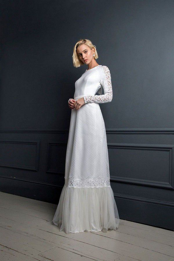 https://cdn0.hitched.co.uk/articles/images/1/2/6/4/img_64621/winter-wedding-dresses-halfpenny-london.jpg
