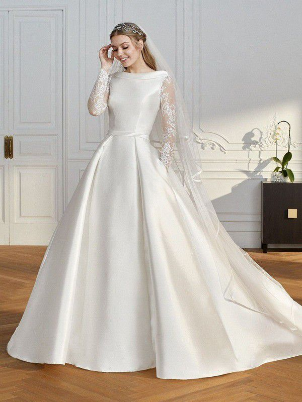 https://cdn0.hitched.co.uk/articles/images/3/2/6/4/img_64623/winter-wedding-dresses-st-patrick.jpg