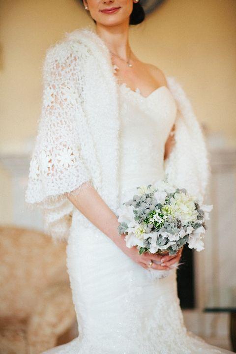 https://i.weddingomania.com/2016/09/21-crocheted-warm-cover-up.jpg