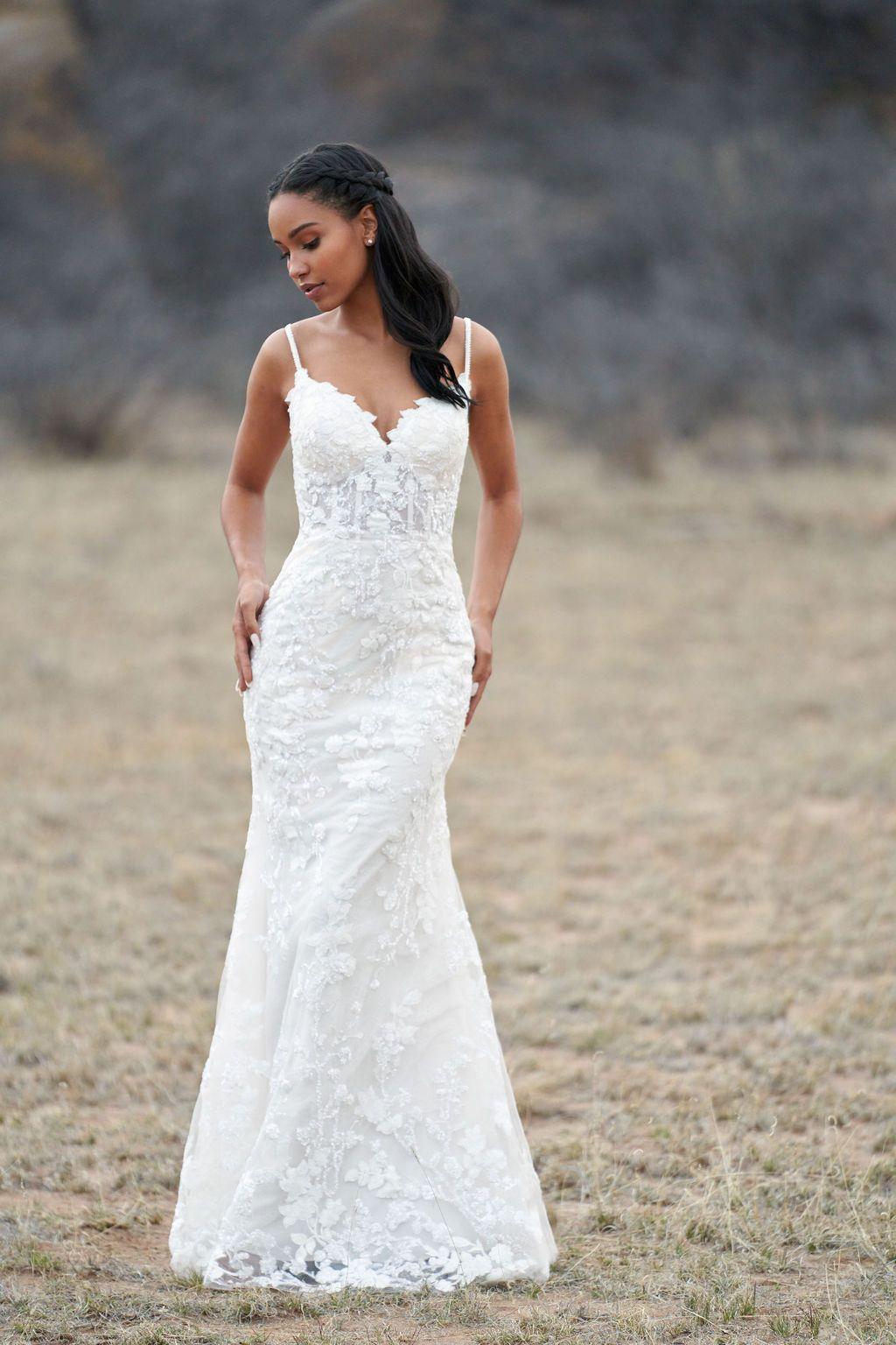 https://www.bridalreflections.com/wp-content/uploads/2020/11/9765-AD2.jpg