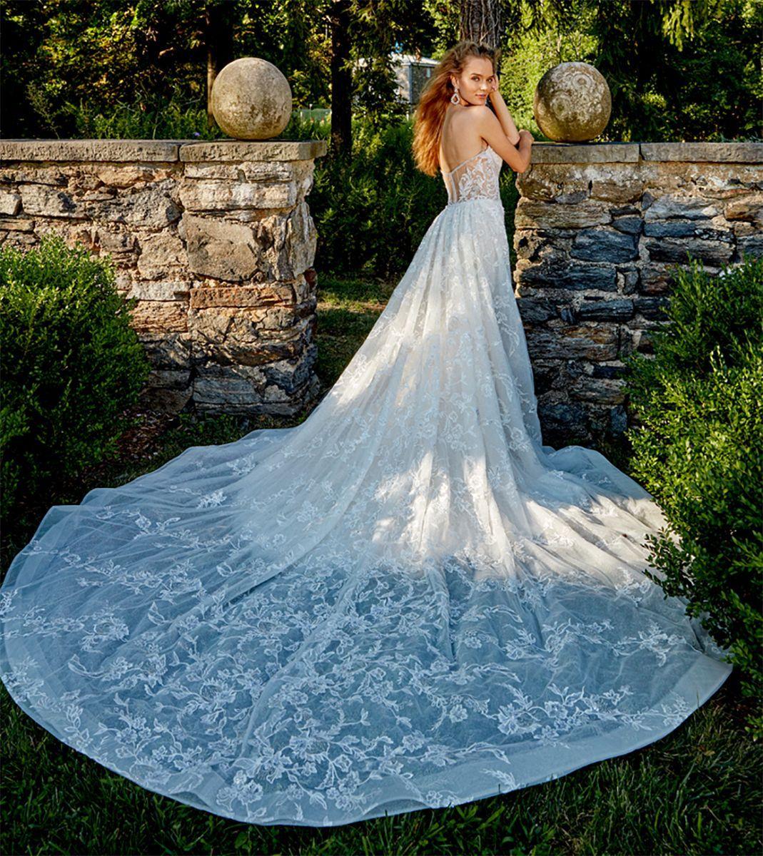 https://www.bridalreflections.com/wp-content/uploads/2020/12/372-BT.jpg