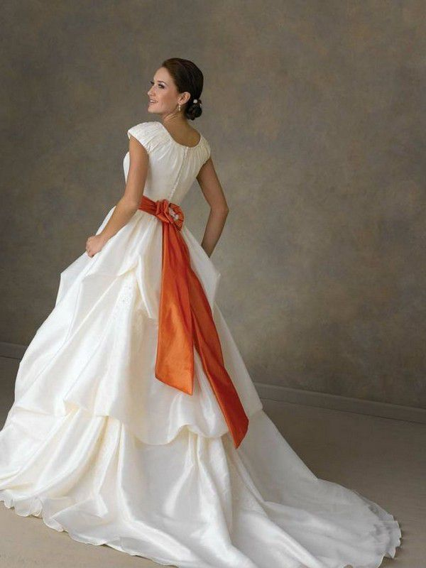 https://cool-wedding.net/wp-content/uploads/wedding-dress-with-orange-ribbon.jpg